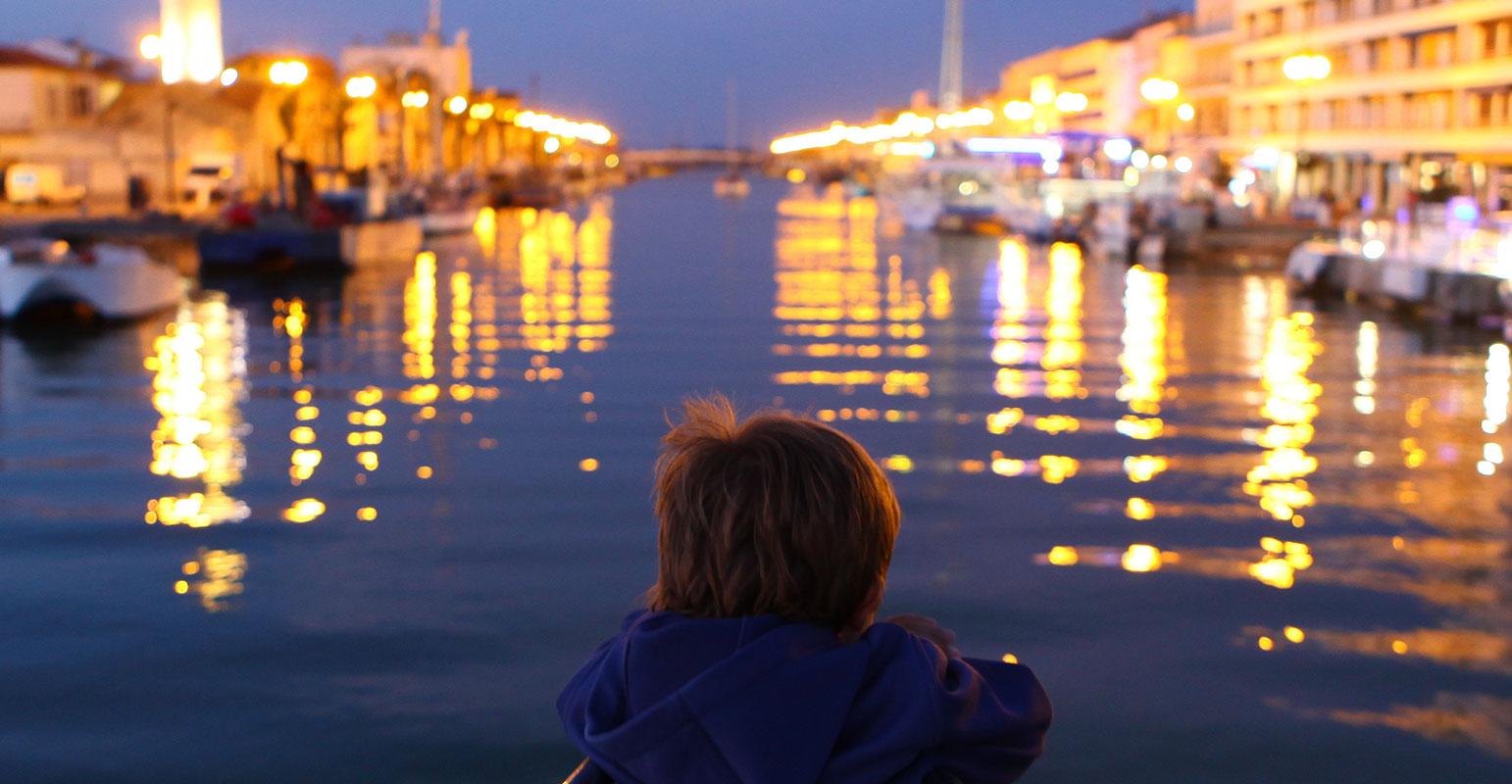 Visite des marinas de port camargue catamaran le providence - Plus grand port de plaisance d europe ...